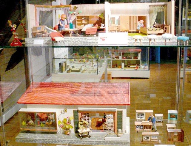Grossansicht in neuem Fenster: Puppenstuben und Kaufläden 2012 5