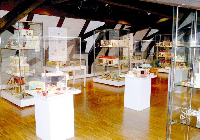 Grossansicht in neuem Fenster: Puppenstuben und Kaufläden 2012