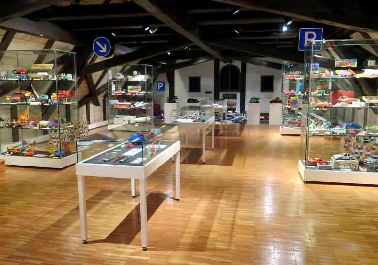 Grossansicht in neuem Fenster: Der Dachsaal des Museums