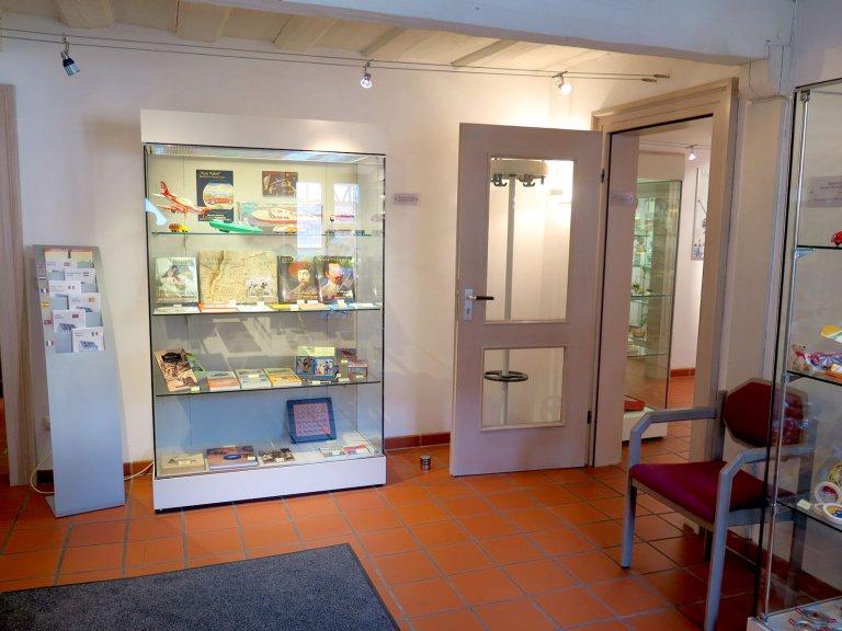 Grossansicht in neuem Fenster: Der Museumsshop im Erdgeschoss