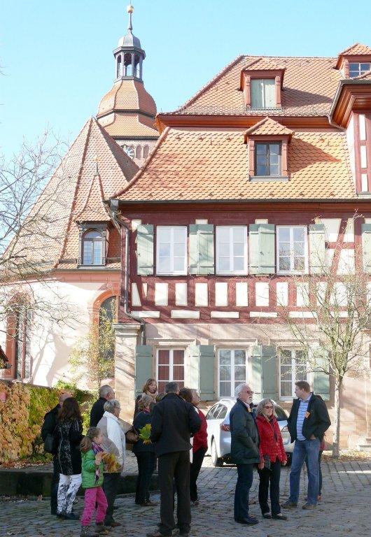 Grossansicht in neuem Fenster: Teilnehmer einer Stadtführung durch Zirndorf